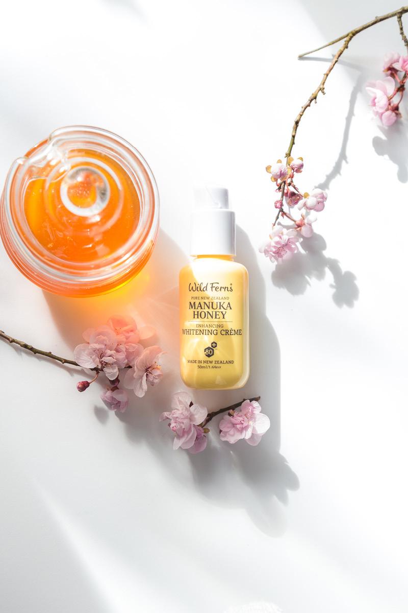 Manuka Honey whitening Creme by Parrs
